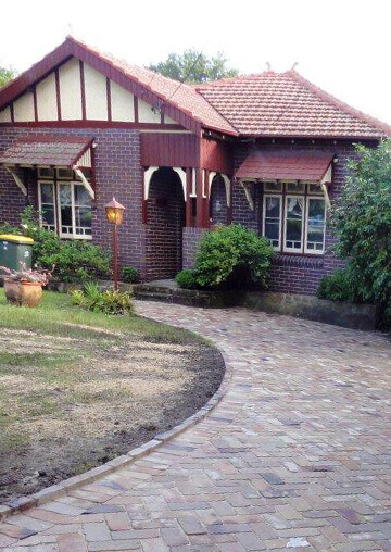 House with driveway